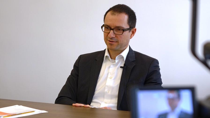 Schrottmeyer ist Mitglied des steuerlichen und rechtspolitischen Ausschusses der Industriellenvereinigung sowie Mitglied des Fachsenats für Steuerrecht der Kammer der Steuerberater und Wirtschaftsprüfer. (Bild: © Linde Verlag)