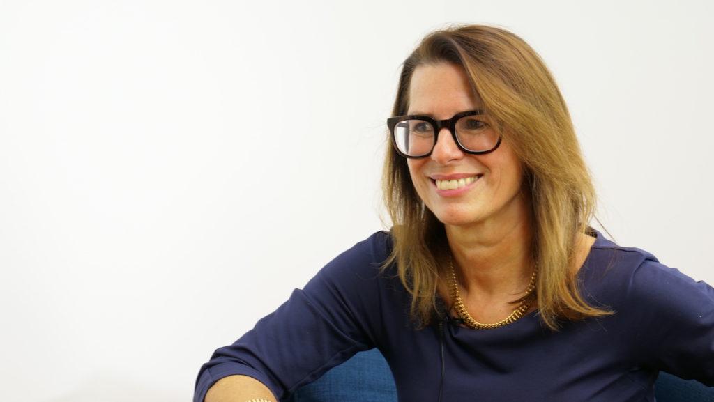 Dr. Angela Stöger-Frank, die Leiterin des Evidenzbüros des BFG, im Interview mit (Bild: © Linde Verlag)