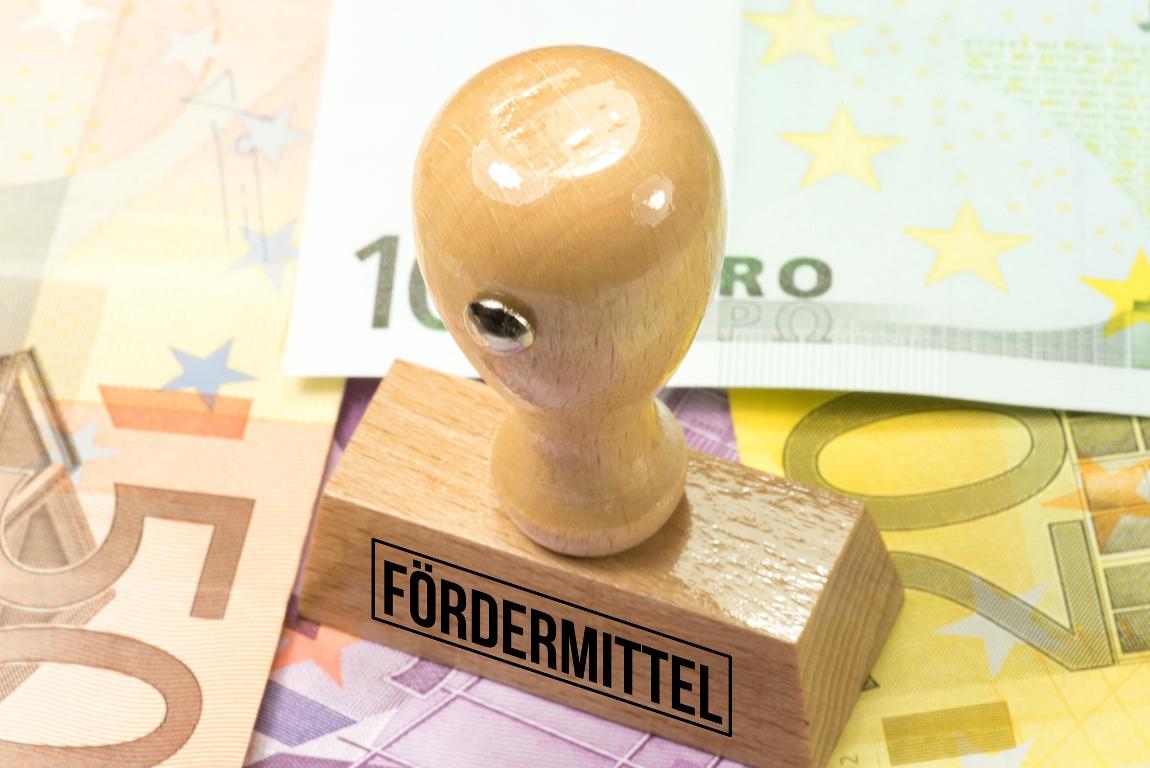 Auf Bundesebene direkte Förderungen auf 6,1 Mrd. Euro gestiegen - 15,5 Mrd. Euro für indirekte Förderungen - Steuerbegünstigung für Flugkerosin kostet 410 Mio. Euro. (Bild: © iStock/Stadtratte)