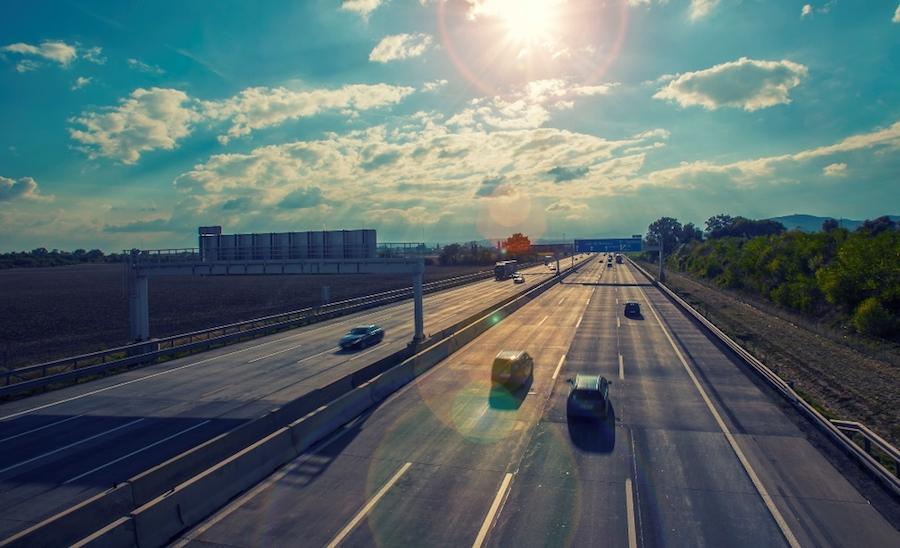 Landesregierung versprach umgehende Reaktion, sollte es zu unzumutbaren Verkehrsverlagerungen kommen. (Bild: © iStock/vitomirov)