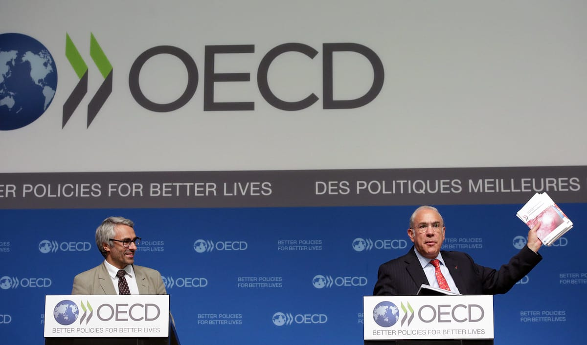 Pascal Saint-Amans, Director of the Centre for Tax Policy and Administration and Angel Gurría, Secretary-General of the OECD. (Bild: © OECD)